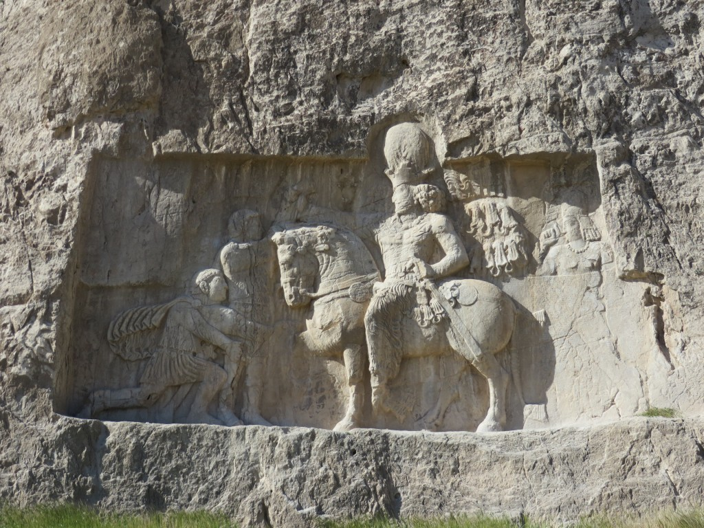 Sjapoer, Valerianus, Naksh-e-Rustam